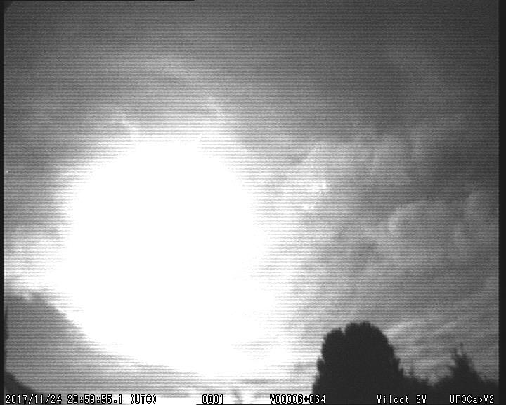 Fig. 1: A video clip of the fireball 20171124_235955 from the station, Wilcot SW. Author: UKMON, Richard Fleet.
