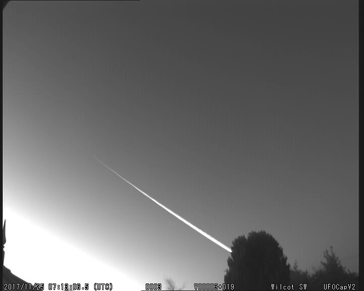 Fig. 3: A video clip of the fireball 20171125_071306 from the station Wilcot SW. Author: UKMON, Richard Fleet
