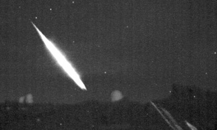 Meteorite-producing fireball on 22 May 2018