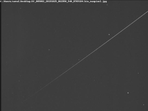 CAMS-FL sees earth-grazing meteoroid with long trail on October 25
